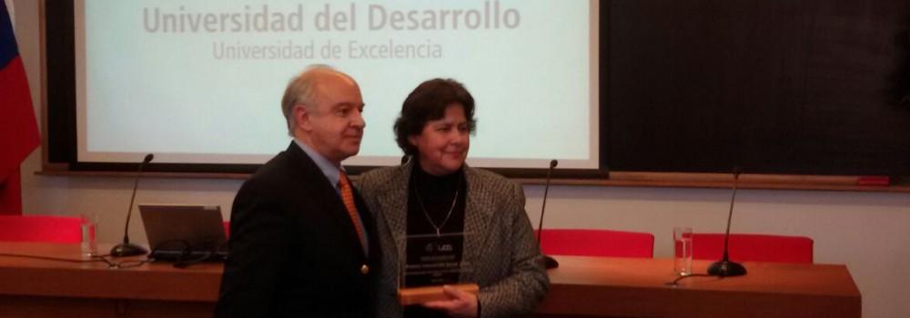 Universidad Del Desarrollo reconoce a Liceos Bicentenario en premio a la Innovación Social 2015